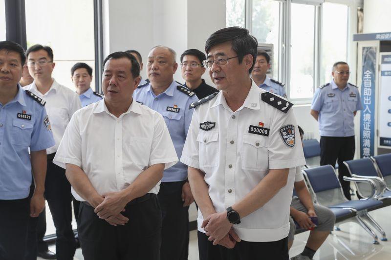 刘胜副市长到平山县公安局开展专题调研(图)